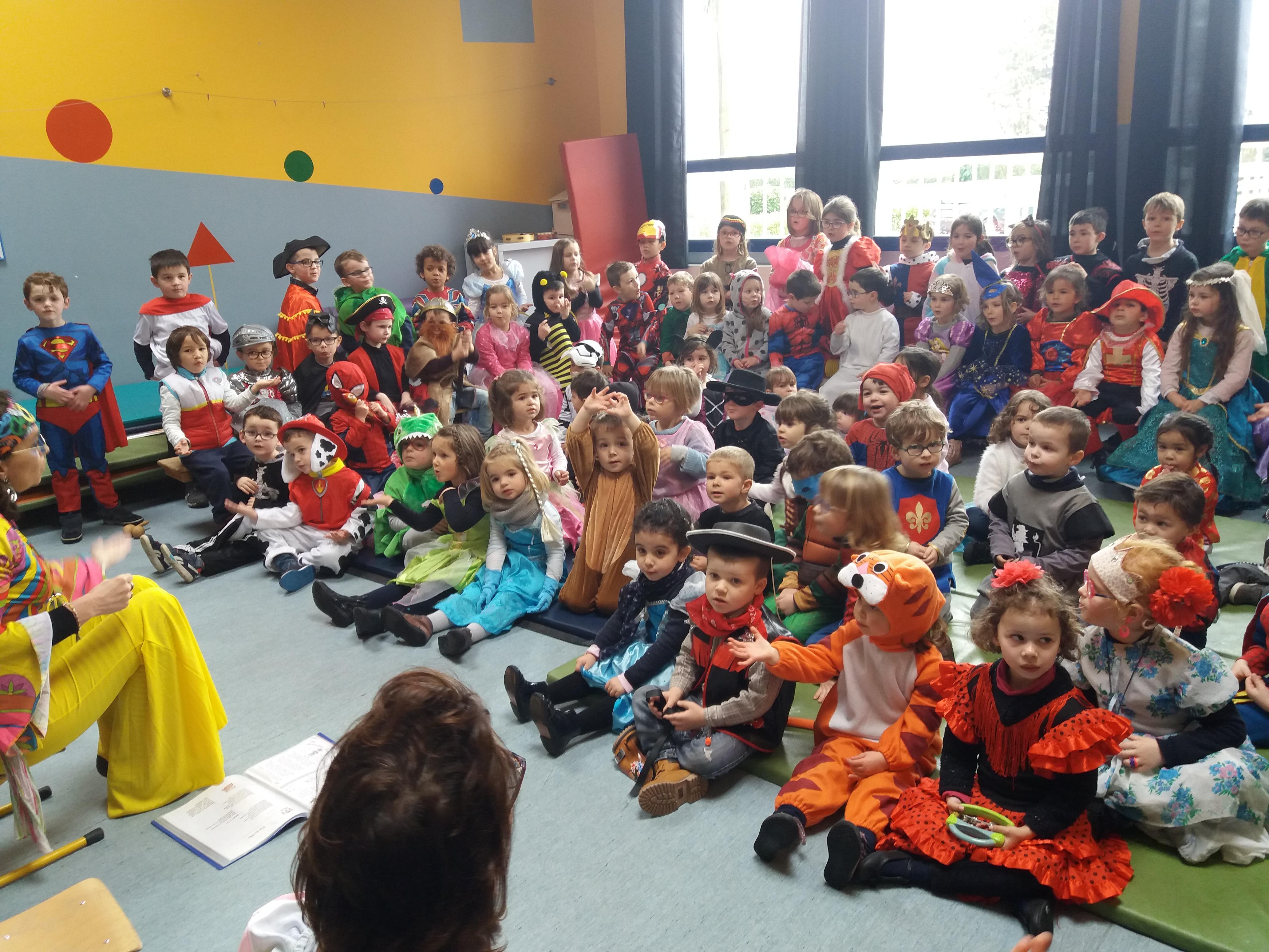 Concert des maternelles pour le carnaval de l'école